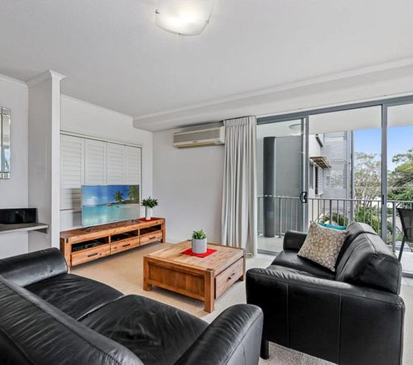 bribie island apartment sale unit 17 living room